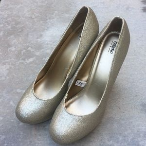 Mossimo gold glitter heels size 9.5